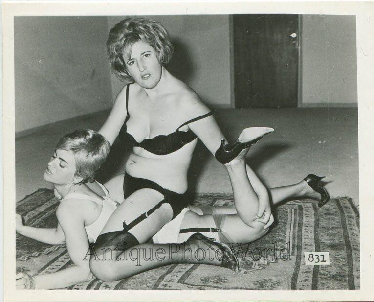 Vintage Nude Lady 107